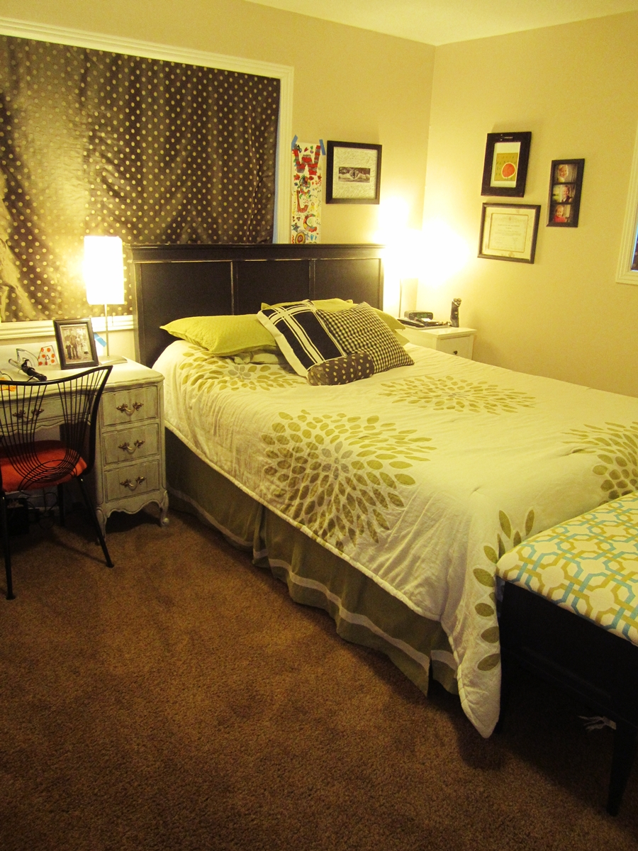 How to convert a den into a bedroom - How to arrange a small room ...